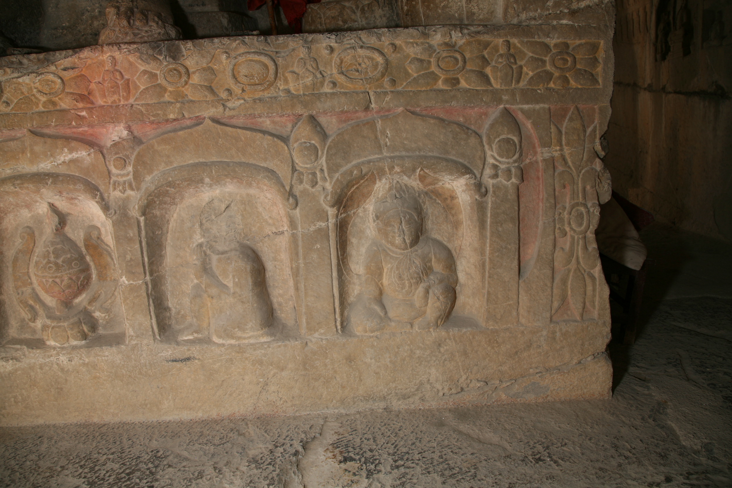 Shuiyusi West Cave, Spirit King, kneeling monk, and incense burner